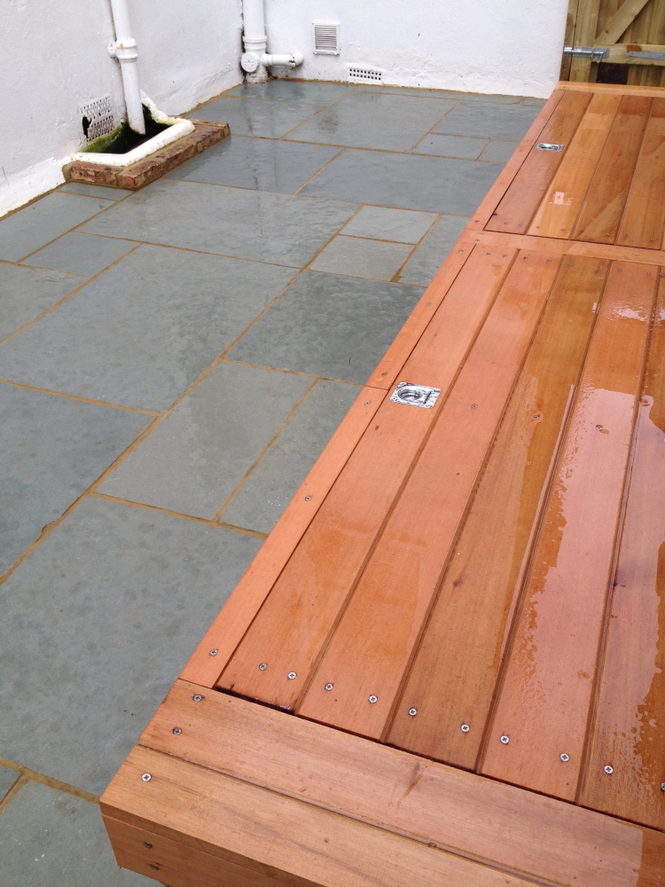 Smooth wooden storage bench